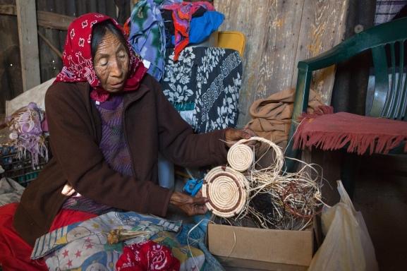 Angelita Torres weaving